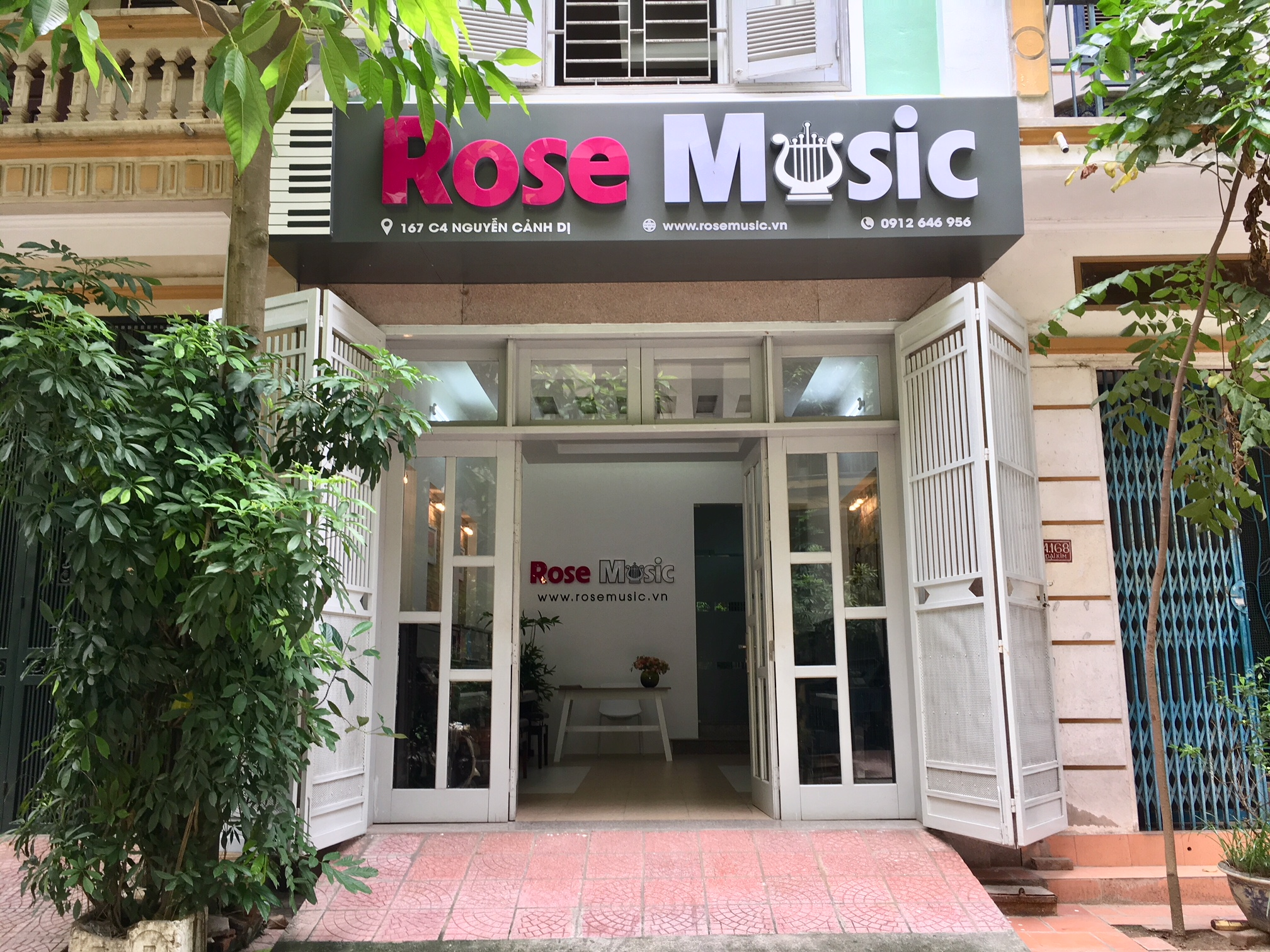 Rose Music